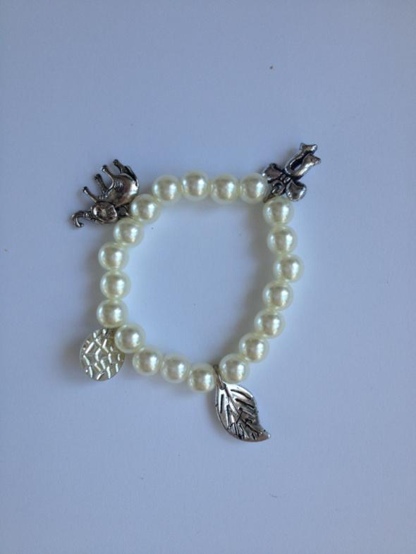 Bransoletka z koralików koraliki zawieszkami zawieszki wąski nadgarstek ręka 15cm na gumce handmade diy
