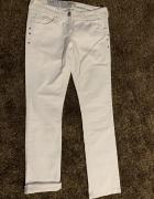 Białe spodnie River Island 38...
