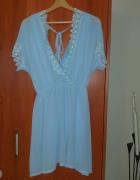 Błękitna zwiewna letnia sukienka