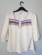 Biała bluzka z haftem...