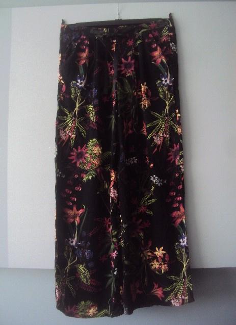 Spodnie spodnie w kwiaty