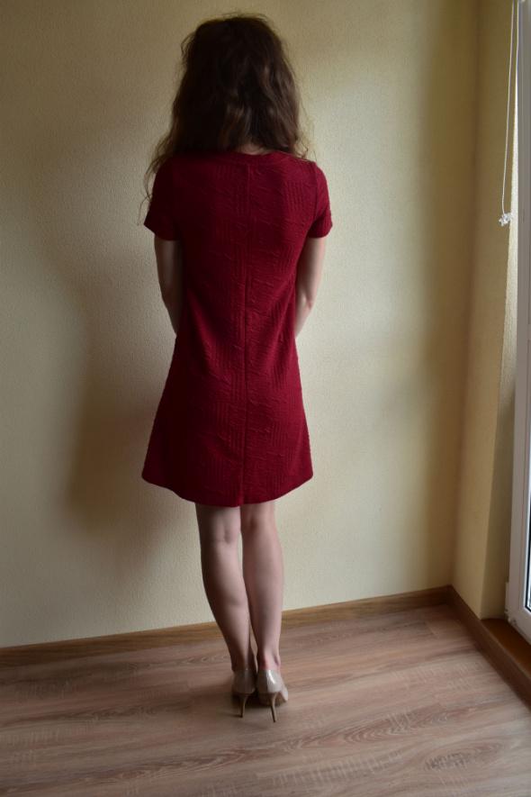 Suknie i sukienki Trapez Rozkloszowana Lato Reserved xs malinowa