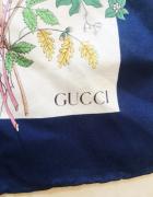 Chusta Gucci...