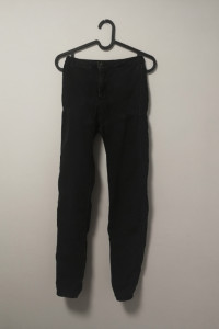 czarne spodnie bershka 34 xs jegging...