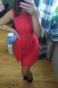 Sukienka mini czerwona koronkowa S...