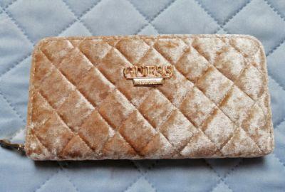 Portfele Duży beżowy zamszowy portfel