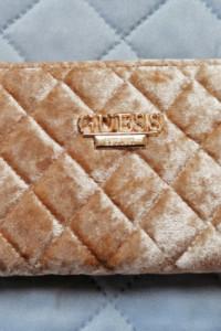 Duży beżowy zamszowy portfel