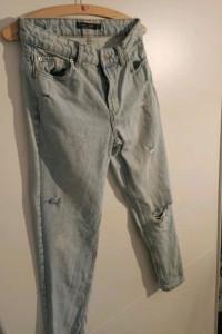 Boyfriendy jeansy Bershka xs...