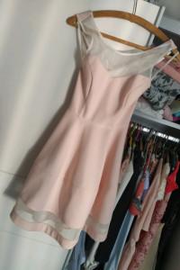 Pudrowa śliczna sukienka rozkloszowana xs...