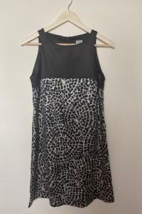 Sukienka kolor czarny wzór prosta Grey Wolf M stan bardzo dobry...