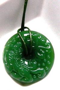 Jadeit chiński rzeźbionyzielony kamień unikat