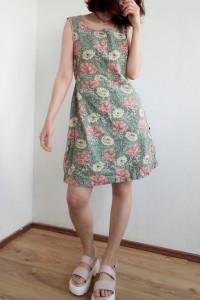 Letnia krótka sukienka w kwiaty vintage 80s 90s retro lato