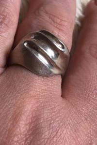 Masywny srebrny pierścionek 925...