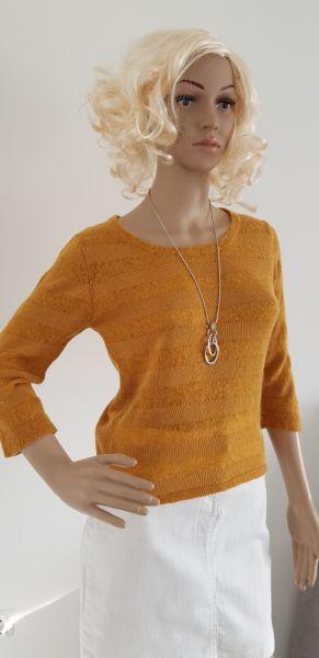 Swetry Musztardowy sweter z rękawem 3 4