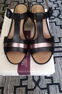 Sandały clarks...