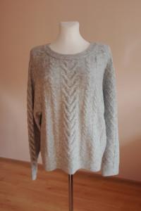 wełniany sweter...