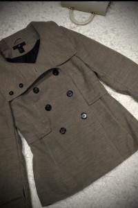 Beżowy płaszczyk H&M rozmiar 38