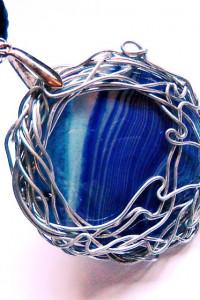 Wisior z agatem wire wrapping biżuteria artystyczna