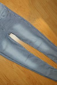By H&M spodnie rurki w paski roz 36...