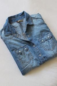 niebieska koszula jeansowa s