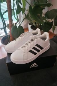 Nowe oryginalne Adidasy rozmiar 38......