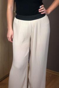 Wyprzedaż Beżowe nude spodnie plisowane guma S...
