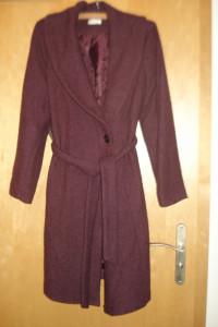 Długi płaszcz szlafrokowy...