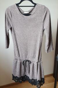 Sukienka z haftem sweterkowa rozmiar XS S...