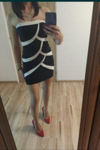 Sukienka bez ramion 36