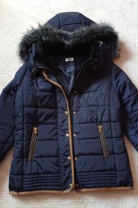 Puchowa kurtka zimowa z kapturem futerko rozmiar M L...