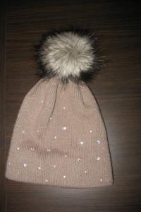 Zimowa czapka cyrkonie pompon futerko