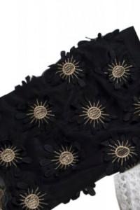 Czarna spódnica złote kwiaty...