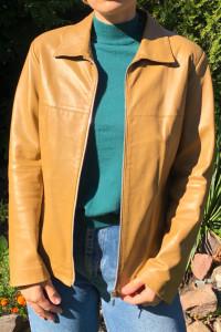 Brązowa kurtka ze skóry naturalnej 38 stan bardzo dobry...
