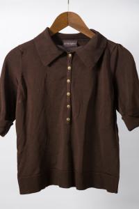 brązowa bluzka...