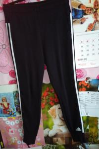 Śliczne oryginalne spodnie Adidas dresowe ciepłe rozmiar M L