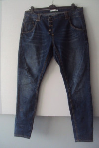 jeansy rurki...