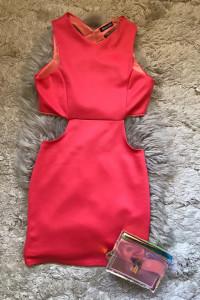 koralowa sukienka wyciecia...