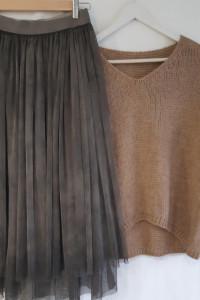 Włoska spódnica w kolorze grafitowym MIDI