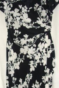Jedwabna sukienka MAGGY LONDON 38