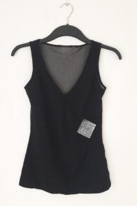Czarna bluzka z kwadratem z koralików