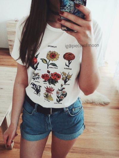 T-shirt nowy biały tshirt koszula z nadrukiem printem w kwiaty w stylu lat 90 vintage retro tumblr 90s