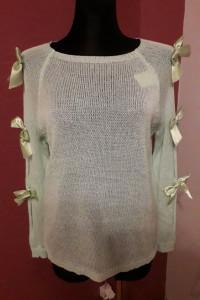 Sweterek kokardki