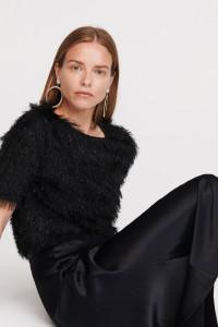 Sweter włochaty z brokatem Reserved