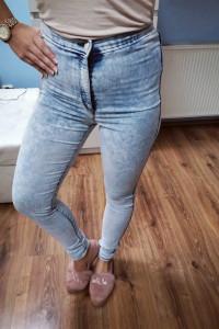 Spodnie jeansy wysoki stan M...