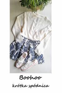 Krótka rozkloszowana spódniczka BooHoo M L
