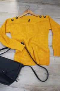 Jak nowy firmowy sweterek w musztardowym kolorze...