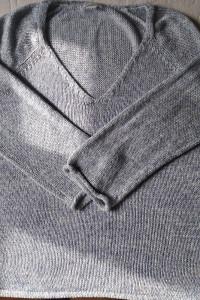 Miły w dotyku sweter H&M...