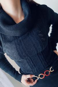 Pleciony czarny golf sweter