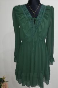 Sukienka w butelkowej zieleni
