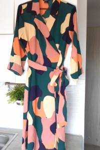 Monki nowa sukienka kopertowa midi wzory print